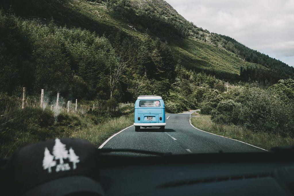 Viaggiare on the road è un vero e proprio stile di vita. Riuscire a farlo sulle strade degli states è una delle esperienze più coinvolgenti che possa esserci per un viaggiatore. Scopri con noi le mete più adatte alle famiglie e gli itinerari più suggestivi degli Stati Uniti.