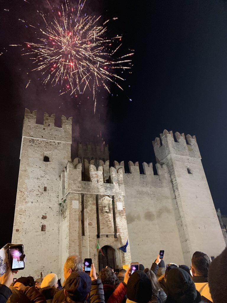 Castello incendiato, castello scaligero Sirmione,trevaligie