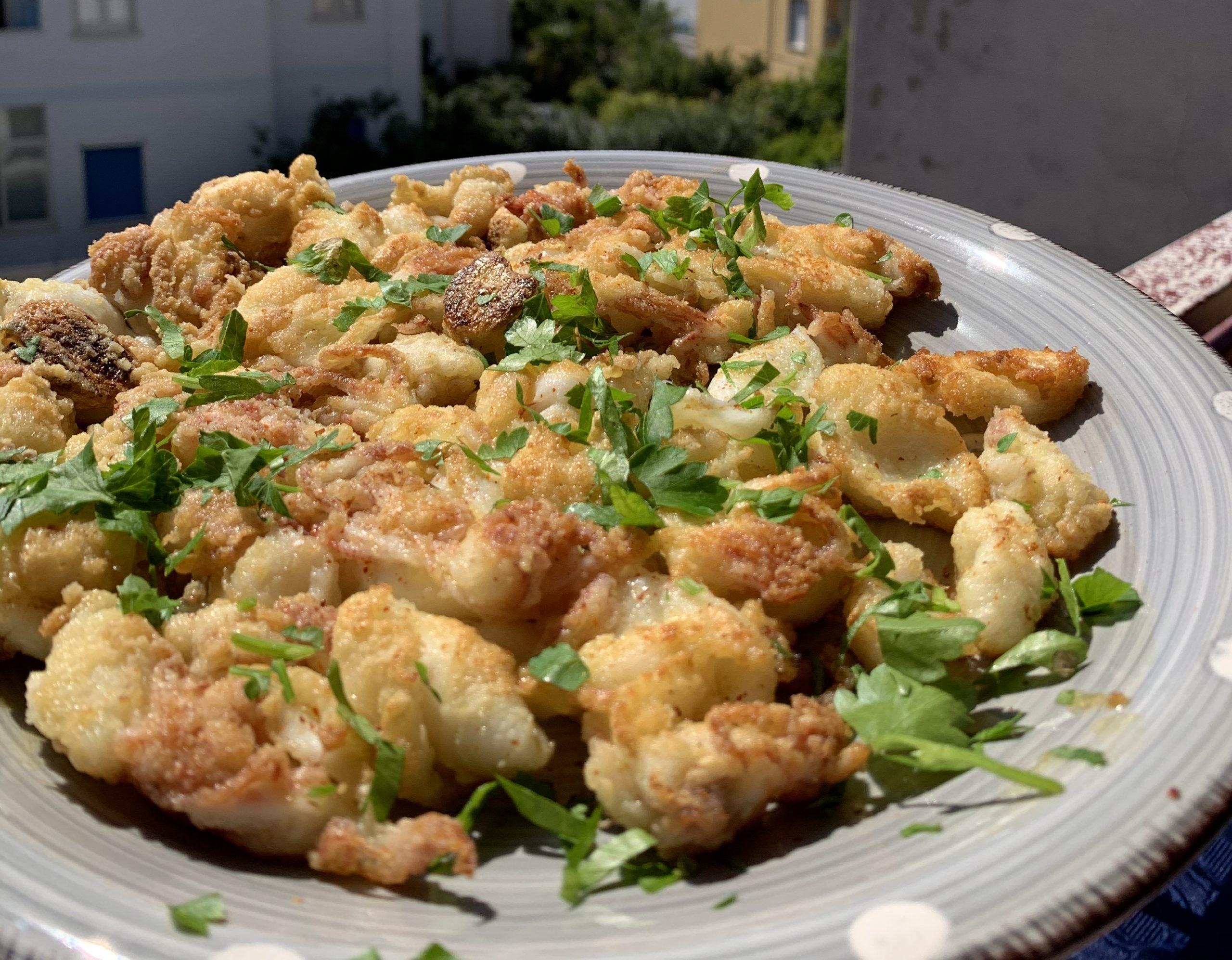 la votapiatto di calamarelle, piatto tipico della tradizione gaetana.