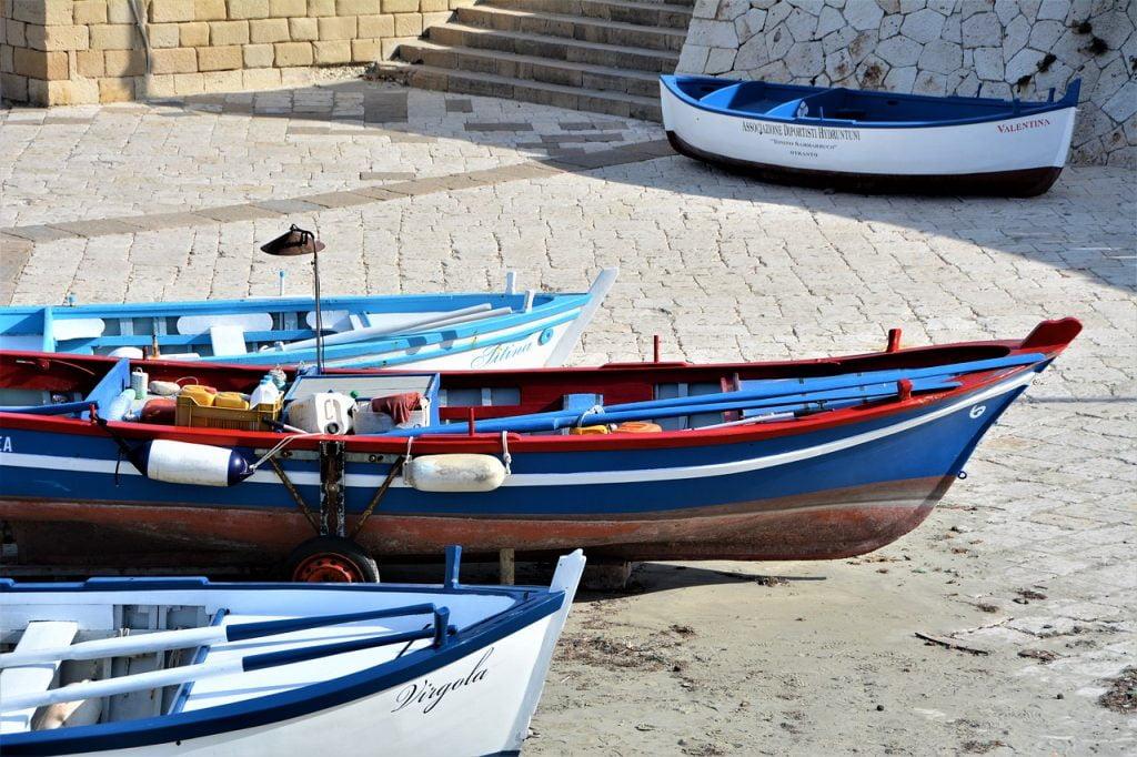 Vista la sua favorevole posizione Otranto è sempre stata una città dedita al commercio, soprattutto via mare.