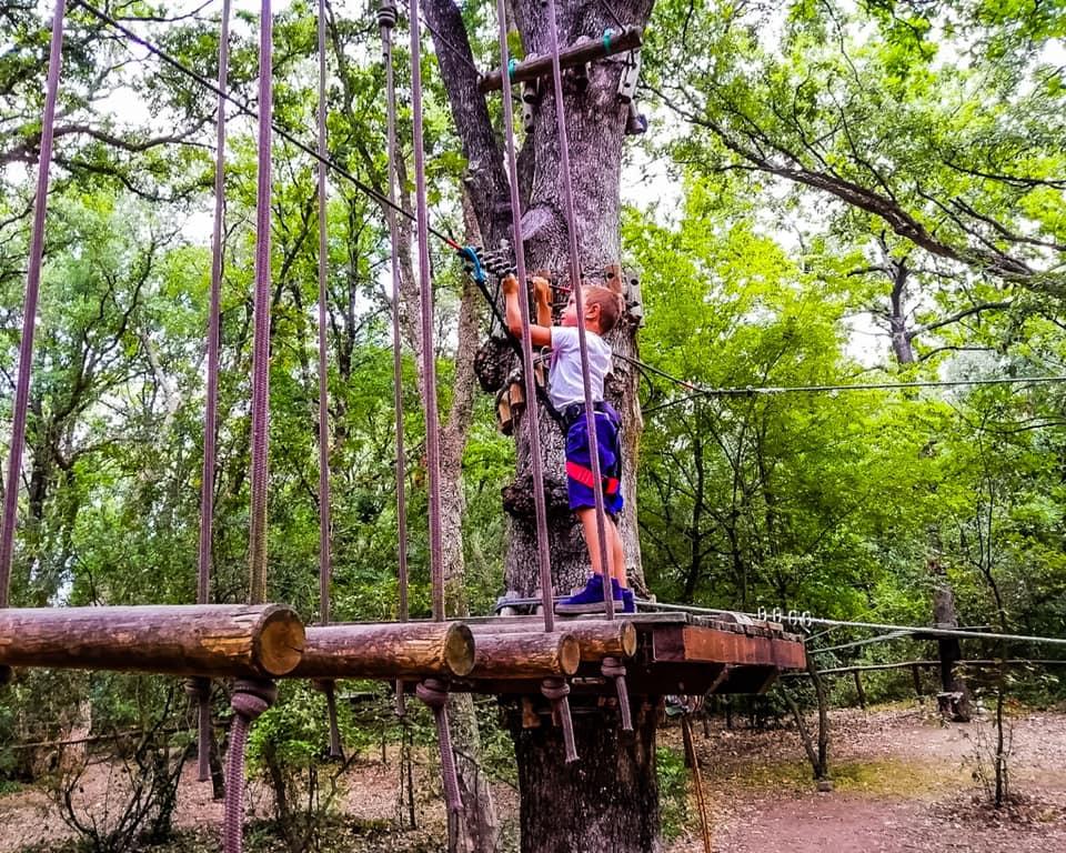 Il Parco sospeso di Gianola è un parco avventura e un oasi naturale dove ritrovare il contatto con la natura.