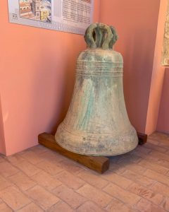Nel Campanile di Gaeta sono custodite le campane originali del Duomo.