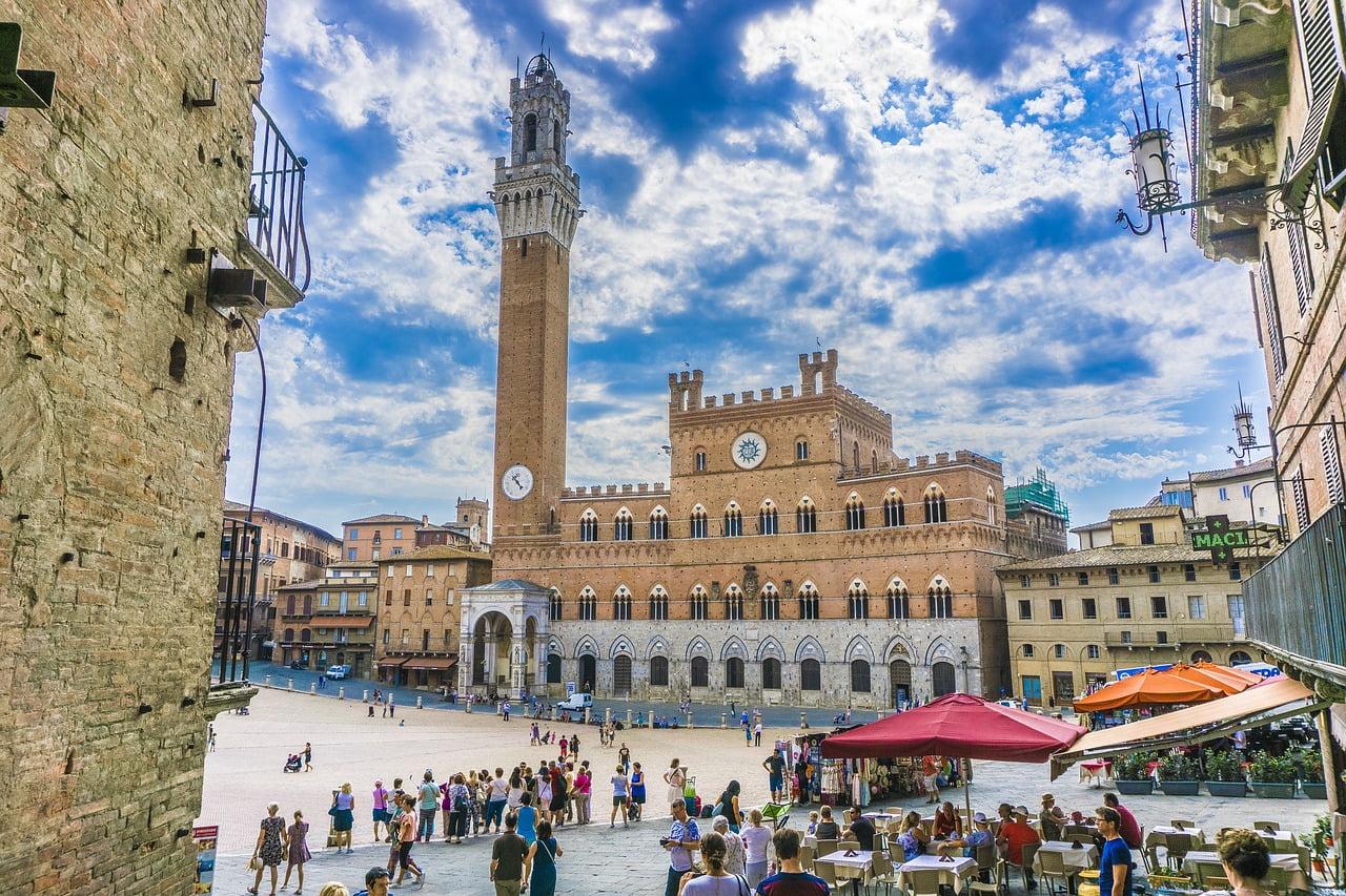Passeggiata a Siena con i bambini alla scoperta del centro storico.