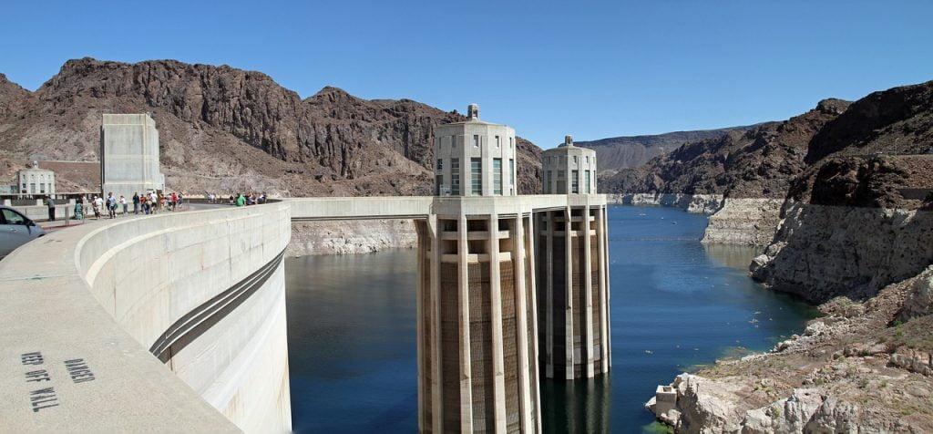 A soli 45 chilometri da Las Vegas è possibile visitare uno dei capolavori ingegneristici statunitensi: la diga di Hoover.