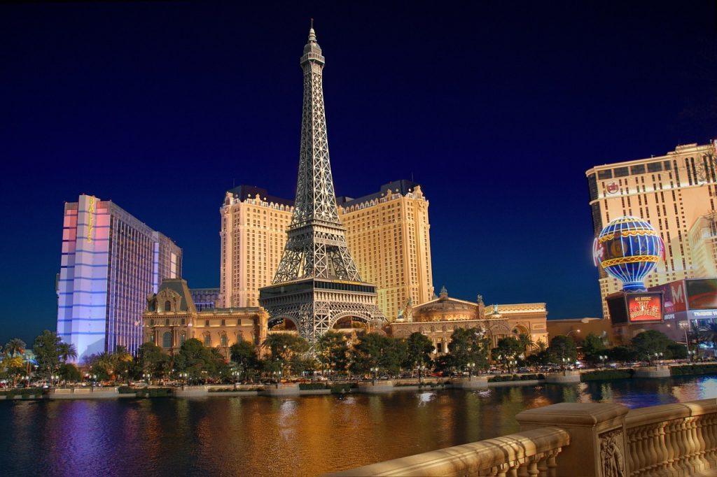 Una passeggiata a Parigi nel cuore del deserto? A Las Vegas è possibile!