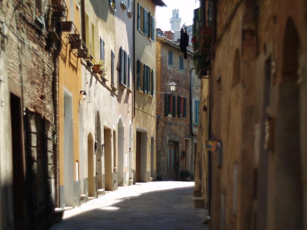 Passeggiare nel centro storico di <montepulciano è davvero rilassante, calma e tranquillità regnano sovrane.