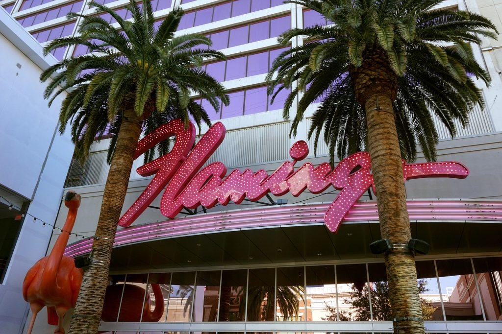 Il Flamingo è forse uno dei primi hotel costruiti a Las Vegas, ma con il suo fascino retrò è diventato un icona della città.