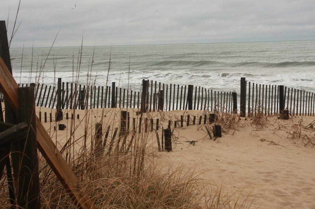 Outer Banks è una striscia di sabbia che delimita le coste del North Carolina per 300 chilometri.
