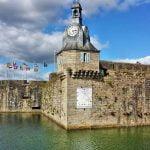 """Concarneau, la splendida """"città blu"""" della costa atlantica francese, è stata una delle tappe del nostro viaggio on the road tra Bretagna e Normandia."""