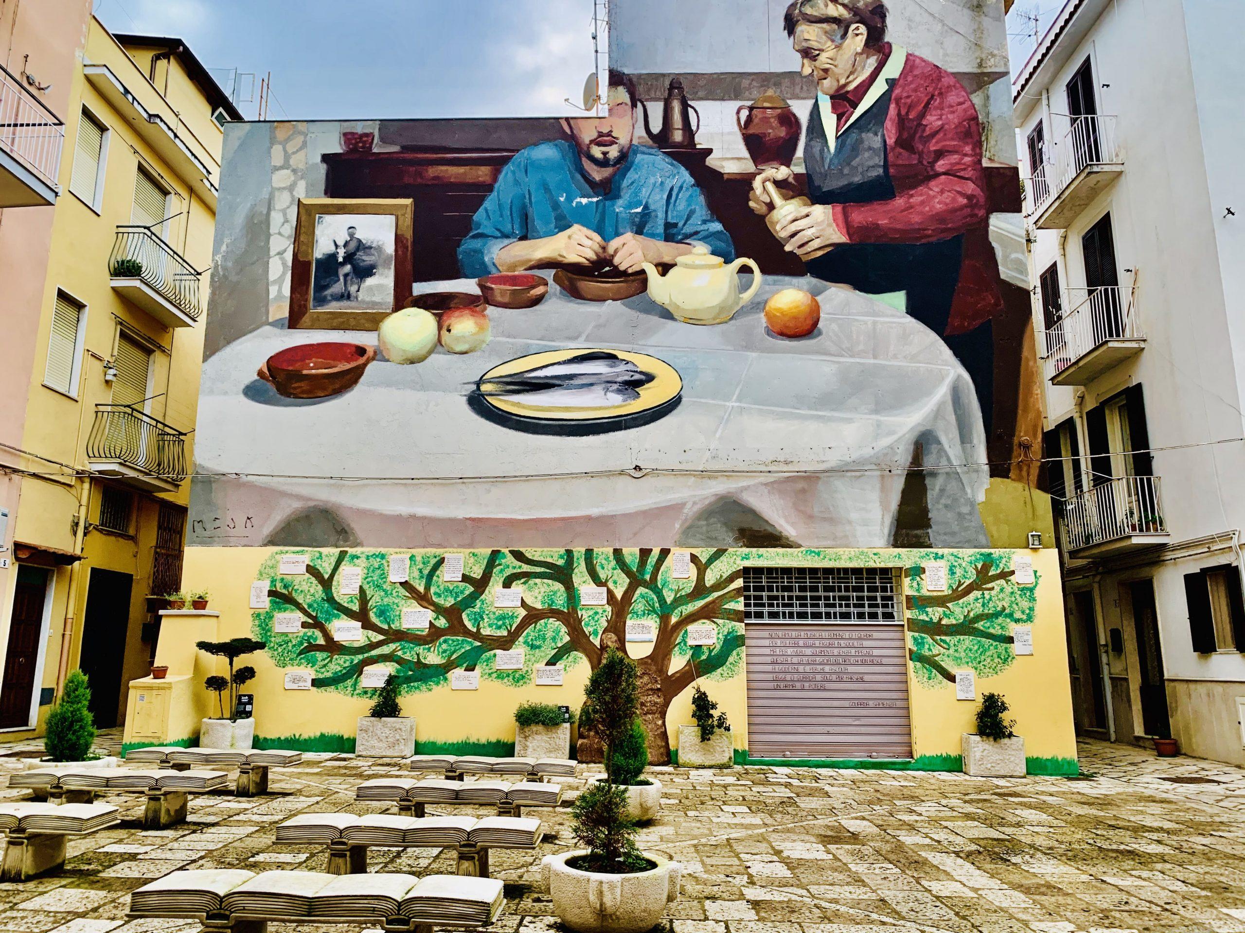 A Gaeta è stata inaugurata una poazza dedicata alla scrittrice Goliarda Sapienza, che ha vissuto nella città dedicandosi alla stesura del suo romanzo più famoso: L'arte della gioia