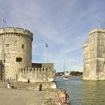 La Rochelle è una bellissima cittadina della costa atlantica francese. Ideale come tappa durante un viaggio on the road in Francia con la famiglia.