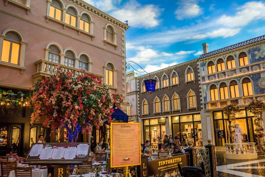 Per mangiare al Venetian hai solo l'imbarazzo della scelta. I ristoranti sono tantissimi, e offrono ogni tipologia di cibo, dal messicano all'italian, e ci sono anche due ristoranti stellati.