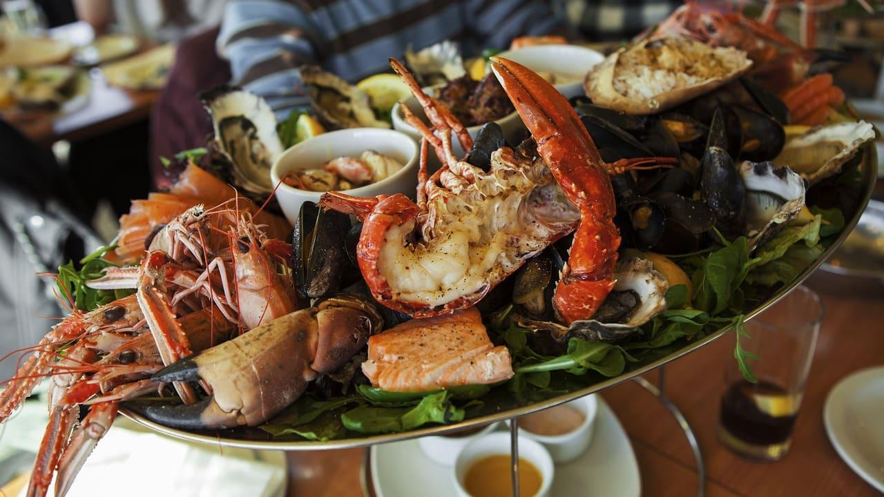 Un viaggio alla scoperta della gastronomia locale della costa atlantica francese. Cosa mangiare in Bretagna durante un viaggio on the road.