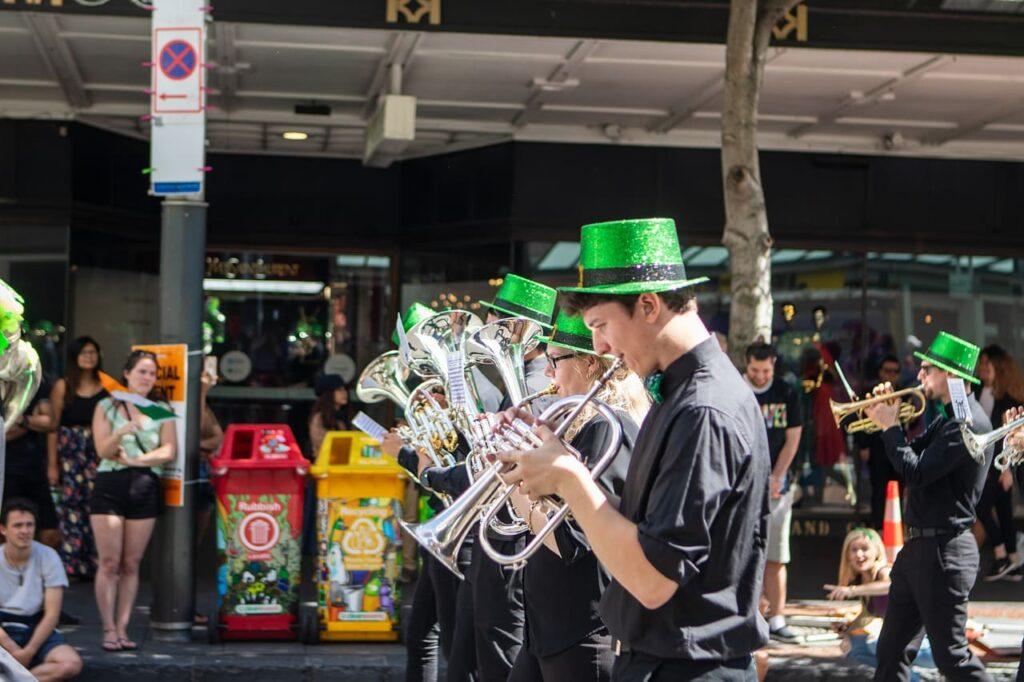 Le parate di San Patrizio sono gli eventi più attesi della festa, e vengono organizzate non solo in Irlanda, ma in ogni città che celebra il santo.