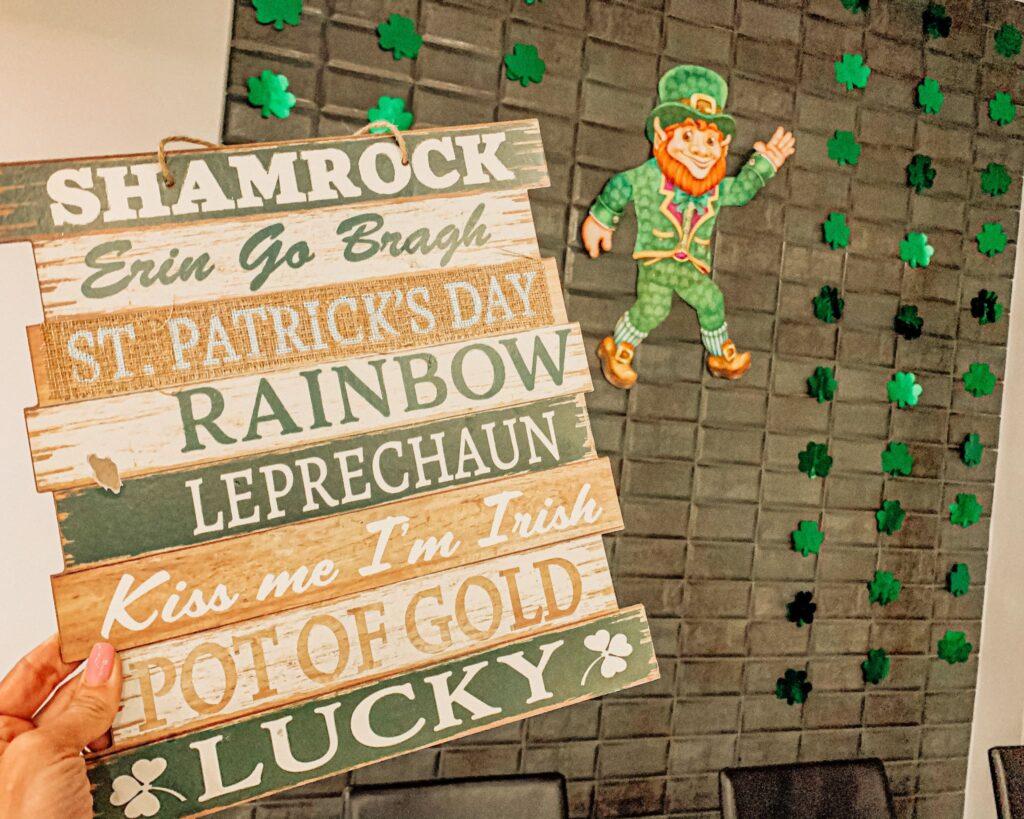 La festa di San patrizio è molto sentita, non solo in Irlanda, ma anche nel resto del mondo. Soprattutto in alcuni stati d'America, i festeggiamenti Si protraggono per circa una settimana.
