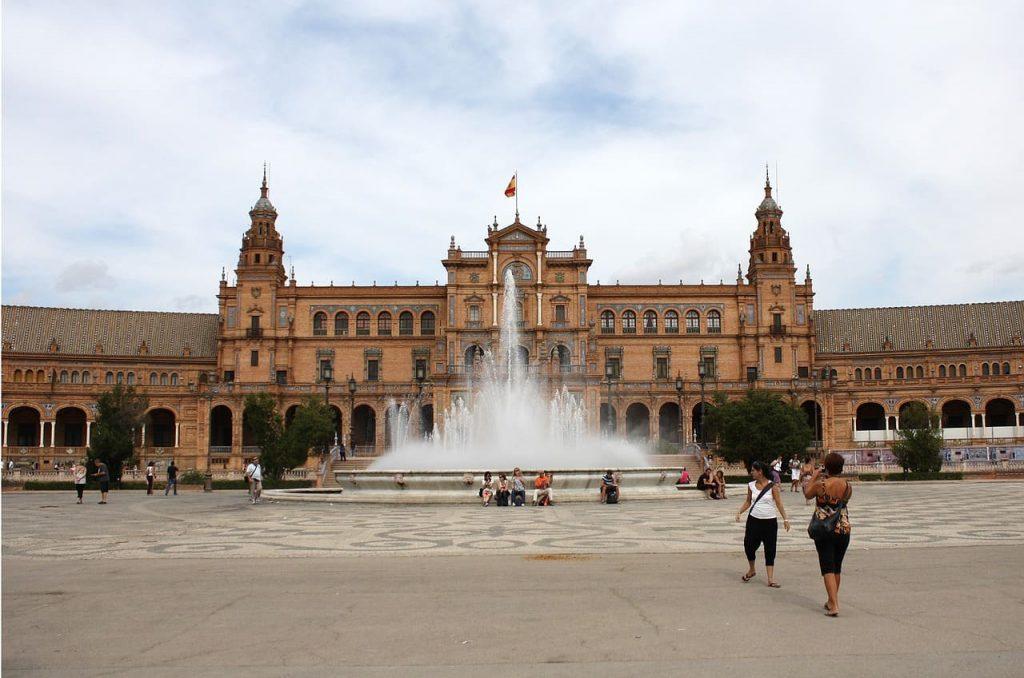 Una delle tappe da fare in Andalusia è sicuramente Siviglia, una delle città più belle della Spagna.