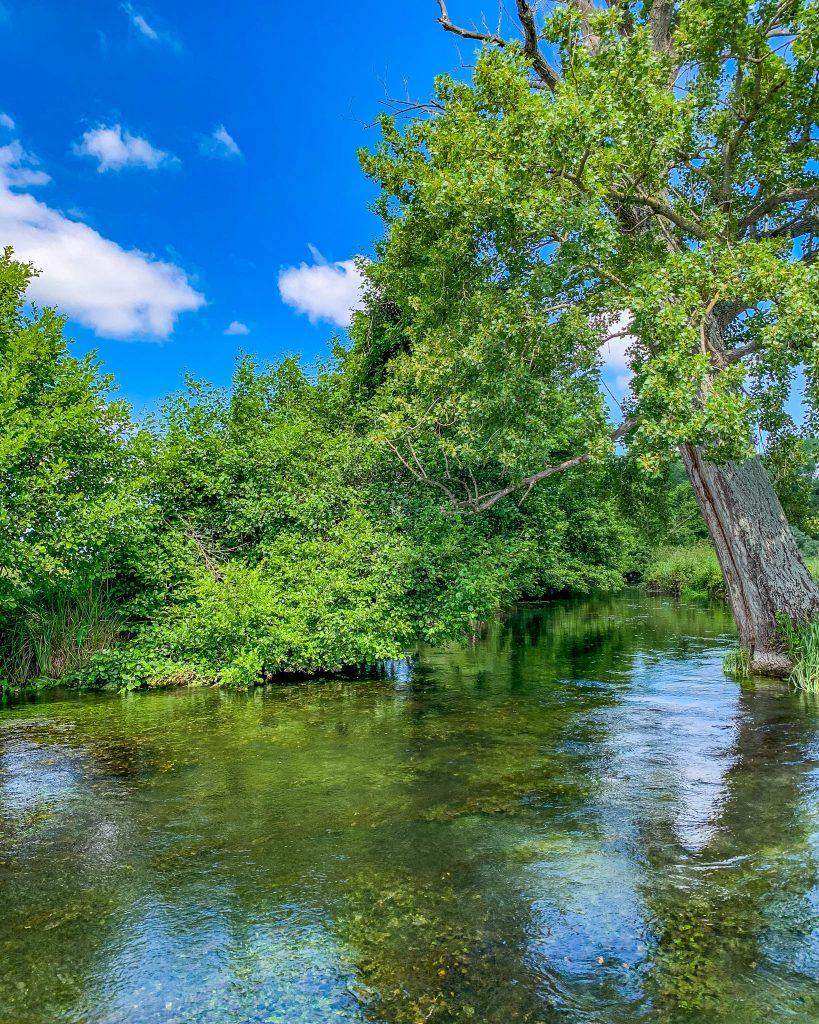 Sul fiume cavata in canoa e sup
