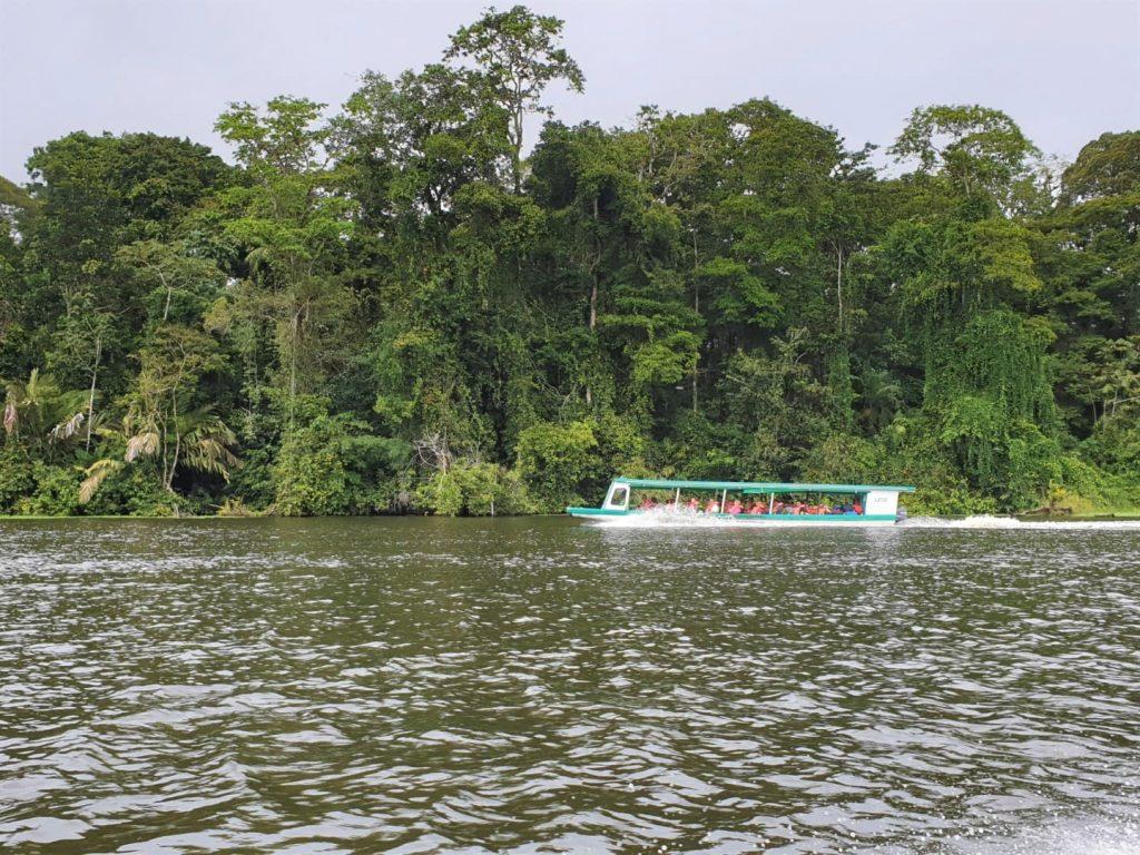 I territori del Costa Rica Si prestano benissimo ad essere esplorati on the road. E' una meta adatta a tutte le età, con esperienze entusiasmanti e accessibili anche ai più piccoli.