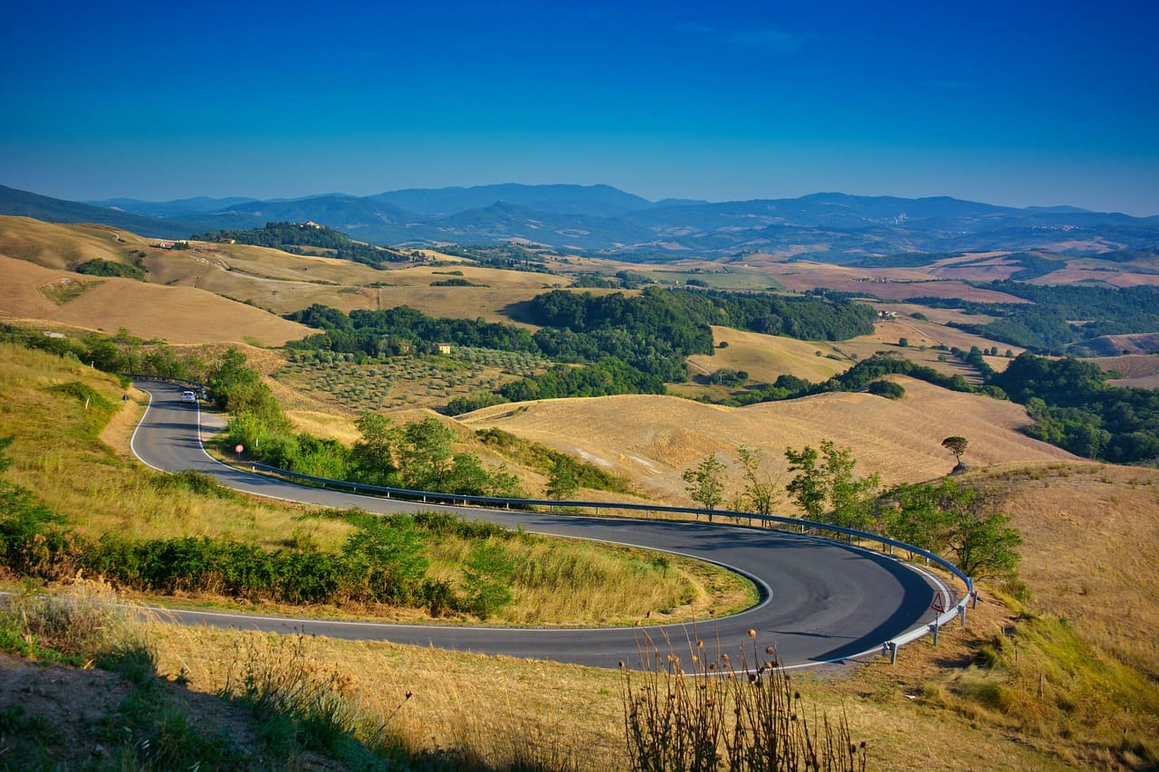 Le strade più belle da percorrere in Toscana durante un viaggio on the road
