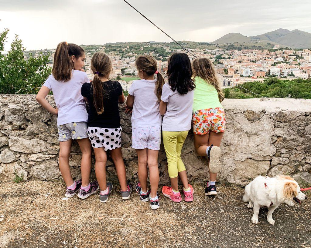 Attività all'aria aperta da fare in viaggio con i bambini